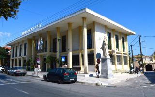 golden-dawn-unwelcome-on-chios-island-municipal-council-says0