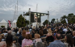 yacht-show-held-in-piraeus