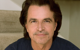 yanni-continues-to-embrace-the-unknown-with-new-music-tour