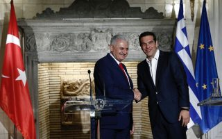 greek-and-turkish-pms-discuss-the-issues-dividing-the-two-countries