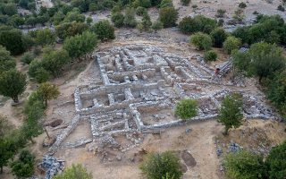 excavators-find-archive-room-at-zominthos-palace-complex-on-crete