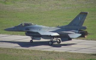 first-f-16-viper-on-its-way-to-texas