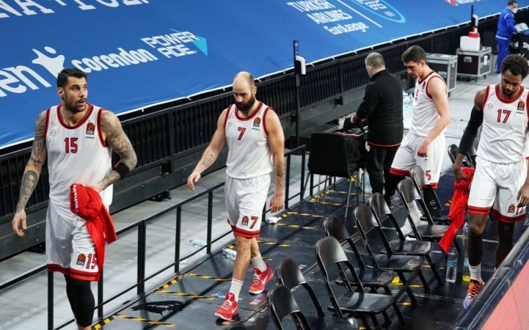 reds-slump-to-23-point-loss-in-istanbul0