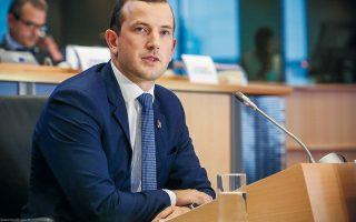 eu-mulls-tax-for-recycling-laggards-commissioner-tells-kathimerini