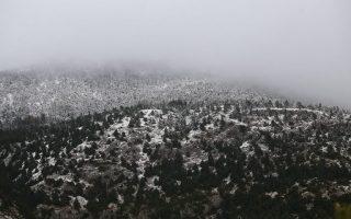 season-s-first-snow-falls-in-western-macedonia