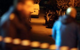 man-arrested-for-holding-party-with-42-people-in-central-athens