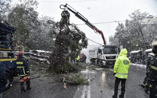crews-struggle-to-restore-power-to-thousands-in-wake-of-storm