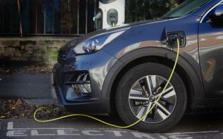 study-suggests-greeks-would-prefer-electric-cars
