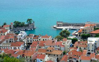 quake-of-magnitude-5-0-strikes-near-greek-town-of-nafpaktos