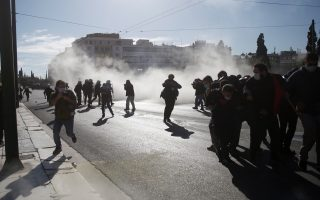 protesters-in-athens-thessaloniki-clash-with-police-in-march-against-education-bill