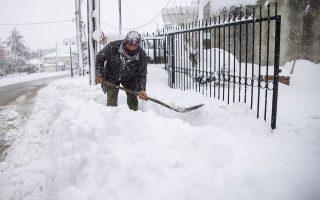 greece-blanketed-by-heaviest-snowfall-in-12-years