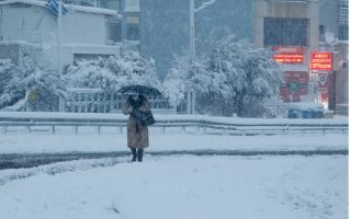 traffic-transportation-disrupted-in-athens-due-to-snowstorm