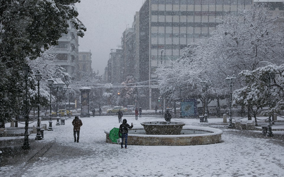 downtown-athens-dressed-in-winter-cloak3