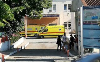 greek-tax-officer-dies-7-months-after-axe-attack-in-office0