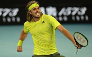 tsitsipas-holds-off-kokkinakis-to-win-greek-epic0