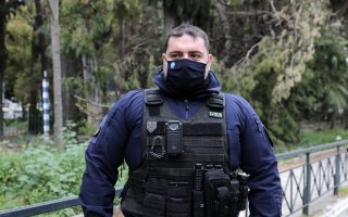 two-police-units-put-body-cameras-to-the-test