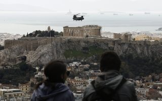 fighter-aircraft-fly-over-athens-in-march-25-rehearsal