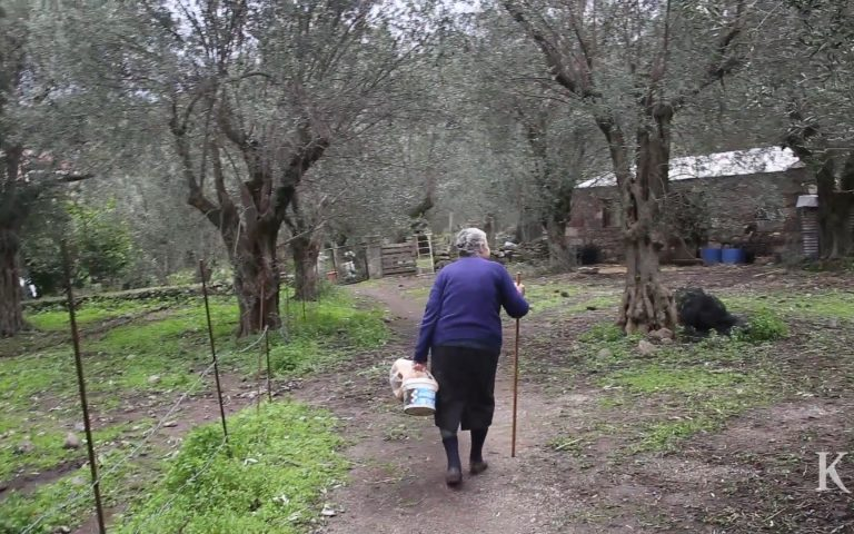 the-grandmothers-of-lesvos0