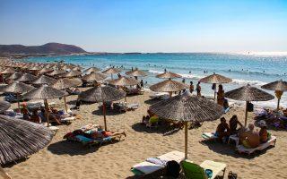 theocharis-asks-crete-tourism-professionals-to-get-vaccinated