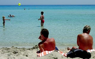 vaccinated-britons-free-to-travel-to-cyprus-from-may-1