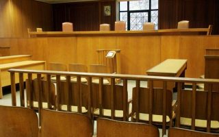 man-accused-of-lifting-1-million-euros-worth-of-swiss-watches-denies-charges