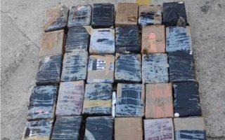 police-net-100-kilos-of-cocaine-in-piraeus