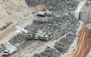 strike-and-protest-planned-on-monday-over-athens-landfill