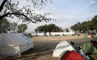 two-migrants-injured-in-camp-brawl-in-northern-greece