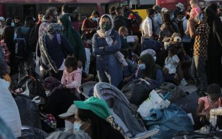 syrian-migrants-in-greece-received-by-norway