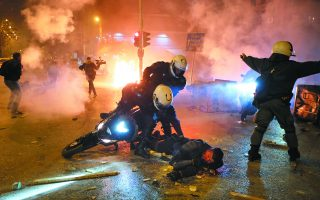 violent-clashes-erupt-in-athens-suburb