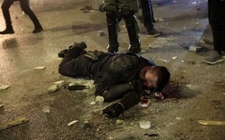 officer-injured-in-clashes-with-protesters-in-athenian-suburb