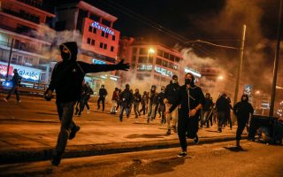 sixteen-arrested-over-tuesday-amp-8217-s-clashes-with-police-officers-in-athens-suburb