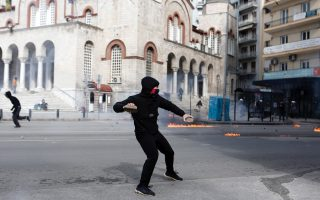 protesters-attack-police-with-petrol-bombs-at-thessaloniki-rally
