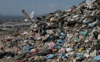 un-report-finds-greeks-are-europe-s-worst-food-wasters