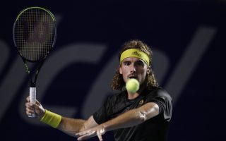 tsitsipas-eyes-opening-in-miami-with-big-three-out