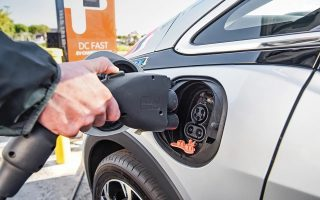autohellas-hertz-shift-to-electric-car-rentals
