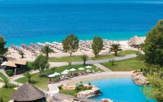 international-real-estate-investors-look-to-greece-for-hotel-bargains