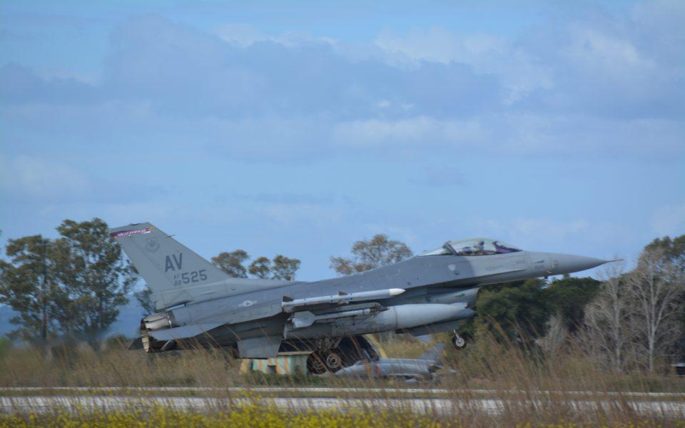 Ο πρωθυπουργός θα παρακολουθήσει την άσκηση της Πολεμικής Αεροπορίας Iniochos την Τρίτη