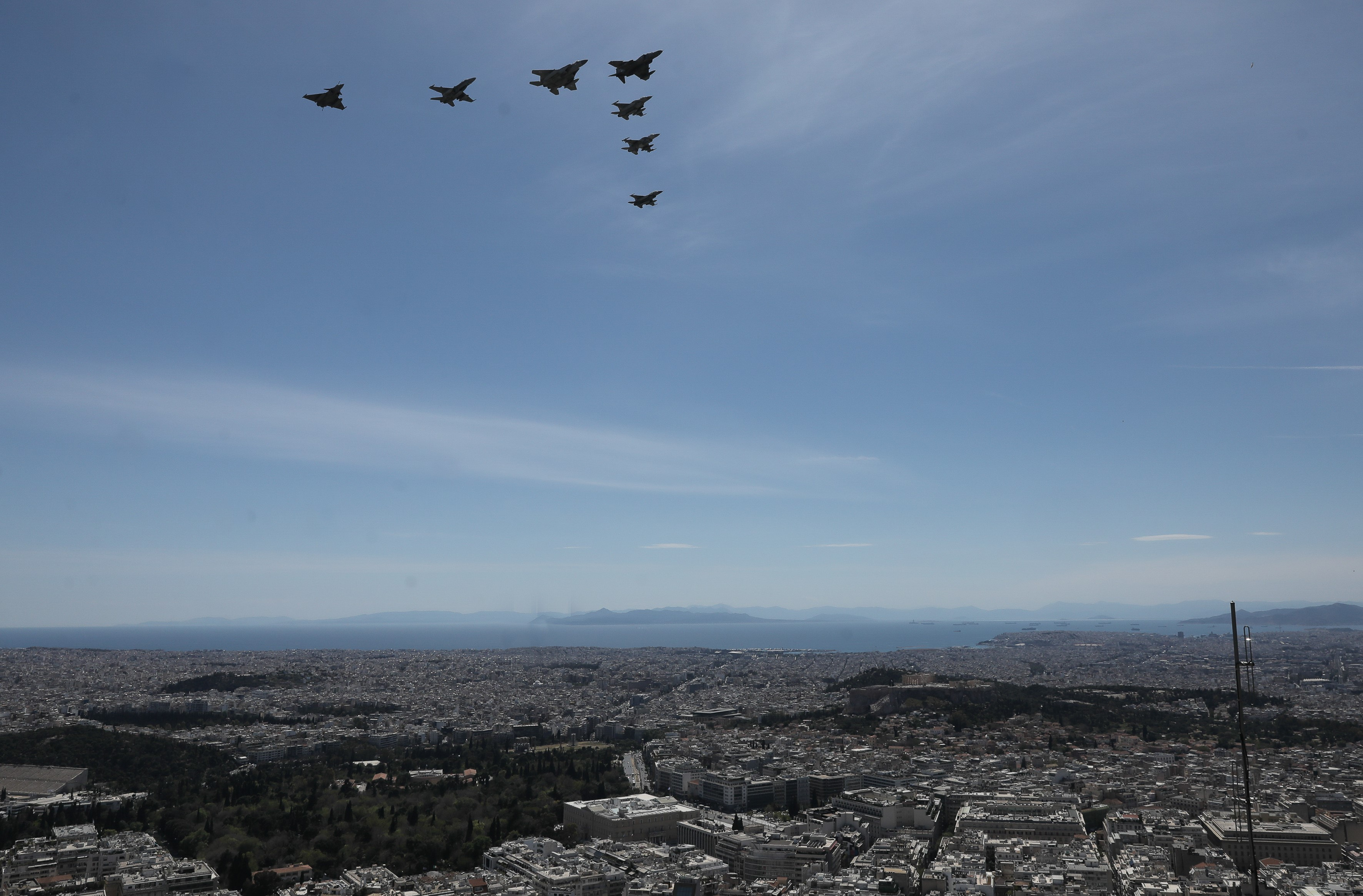 fighter-jets-soar-over-athens-as-part-of-iniochos-exercise1