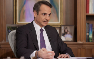 mitsotakis-won-t-force-health-personnel-to-be-vaccinated-right-now