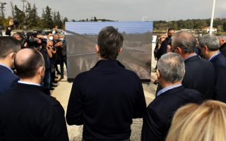 pm-visits-closed-corinth-canal-to-inspect-repair-plan