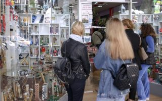 subdued-consumer-traffic-in-stores-ahead-of-easter