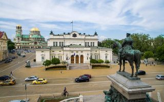 bulgarian-president-asks-gerb-udf-to-form-governmentt