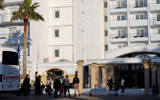 dutch-tourists-trade-lockdown-at-home-for-greek-resort-confinement
