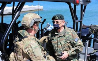 armed-forces-chief-visits-lesvos-outposts