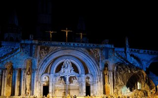 miracle-of-lourdes-to-may-4