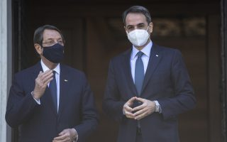 cyprus-president-in-athens-before-geneva-talks