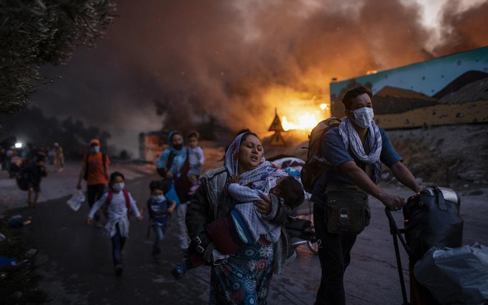 views-of-pandemic-dominate-photojournalism-awards-the-winners7