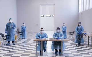 views-of-pandemic-dominate-photojournalism-awards-the-winners
