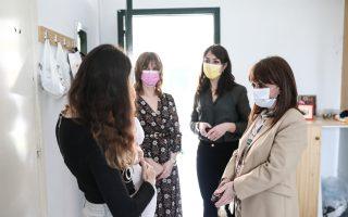 sakellaropoulou-visits-hostel-for-abused-women